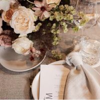 Oatmeal Weave overlays with Whisper Weave napkins