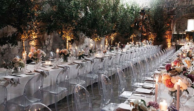 Selecting the size and shape of wedding linen hire