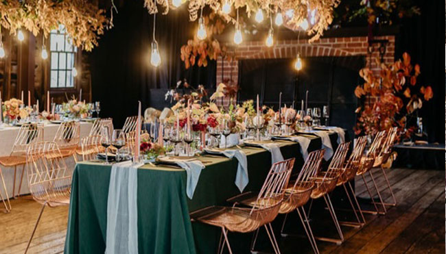 Choosing colours and patterns for wedding linen